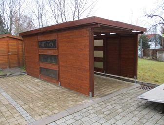 Moderní dřevěné garážové přístřešky na auta