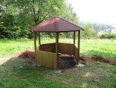 | Dřevěný zahradní altán šestiboký