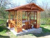 obr. 6 - základní provedení + stůl a židle | Zahradní altán Besídka
