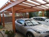 | Dvojgaráž pro auto se šikmou střechou