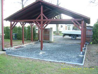Dřevěná dvojgaráž pro auto – sedlová střecha