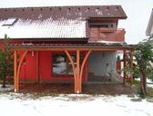 | Pergoly ke zdi domu - zastřešení terasy